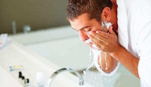 もてる男がやってる事とは?正しい洗顔はぬるま湯で泡洗顔し毛穴の汚れを取り保湿する!